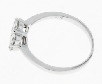 Ring 18 k white gold flower with brilliants ca. 0,75 ct.