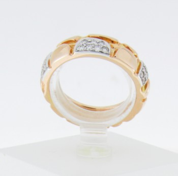 Ring 14 k rose gold with brilliants ca 0,2 ct. in white gold setting