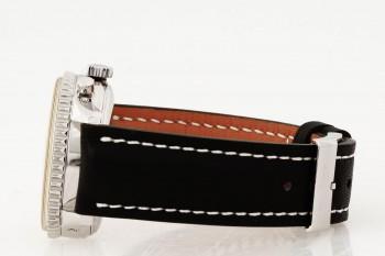 Breitling Montbrilliant an schwarzem Lederband Ref. A19030