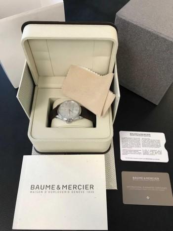 Baume & Mercier Clifton Edelstahl an Lederband Ref. M0A10054