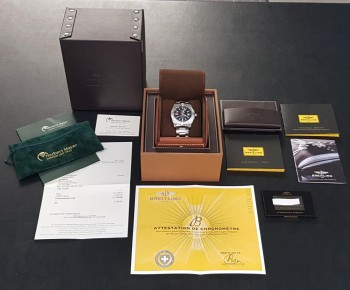 Breitling Avenger GMT Ref. A3239011