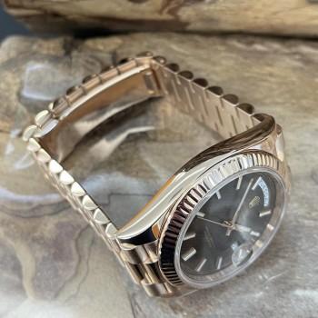 Rolex Day-Date 40 FULL SET LC100 Ref. 228235