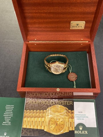Rolex Oyster Perpetual Day-Date FULL SET  Ref. 18238