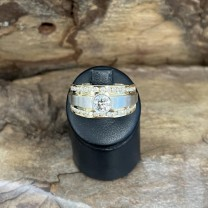 Whitegold and yellowgold ring with diamonds