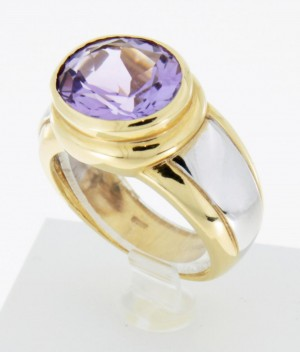Ring bicolor 18 k gold with amethyst W55