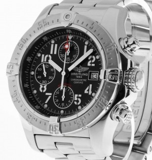 Breitling Avenger Skyland Chronograph Automatik Stahl an Stahlband Ref. A13380