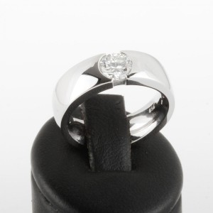 Ring solitary 18 k white gold with brilliant 0,65 ct.