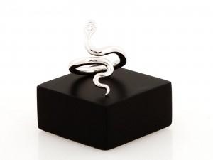 Ring Schlangenform 18 K Weißgold mit Diamant ca. 0,13 ct.