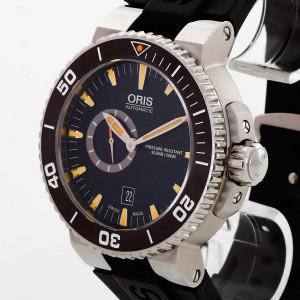 Oris Diver Small Second with black rubber strap Ref. 0174376734159