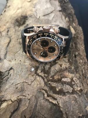 Rolex Oyster Perpetual Daytona Chronograph 18 K Roségold Ref. 116515LN, LC100