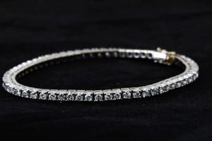 Diamantarmband Weißgold mit 60 Diamanten mit insg. 6 ct.