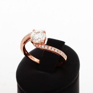 Ring 18 K Roségold mit Brillanten mit insgesamt 1,206 ct.