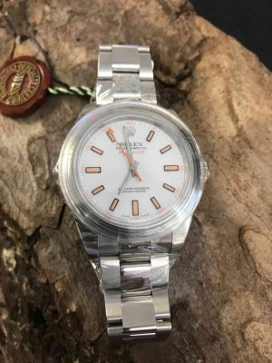 Rolex Oyster Perpetual Milgauss Ref. 116400 ungetragen LC100