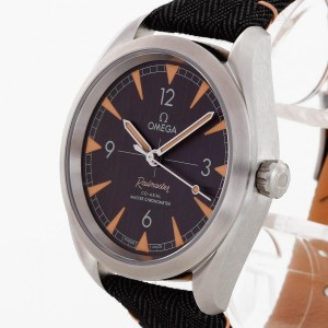 Omega Railmaster stainless steel automatic Ref. 220.12.40.20.01.001