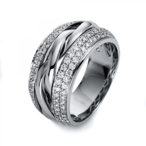 Ring 18 ct white gold with 146 brilliants ca. 0,87 ct, size 55
