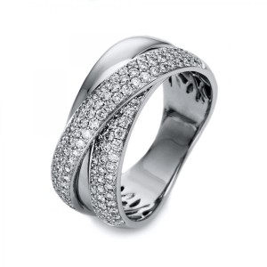 Ring 18 ct white gold with 122 brilliants ca. 0,94 ct, size 55