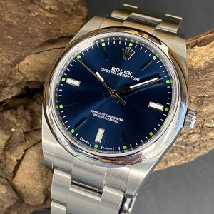 Rolex Oyster Perpetual 39 mm Ref. 114300