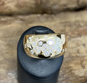 Wempe ring 19k yellowgold with 0,70ct diamonds