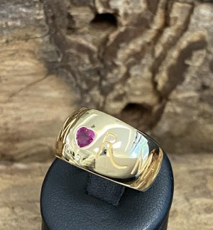 Wempe Amor Ring 18kt yellowgold with rubin