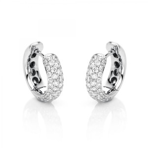 Hoop earrings 18 ct white gold with 80 brilliants ca. 0,58 ct