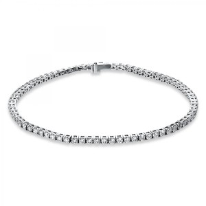 Bracelet 4 prong 18 ct white gold with 74 brilliants ca. 3,00 ct
