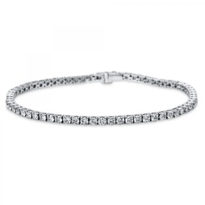 Bracelet 4 prong 18 ct white gold with 64 brilliants ca. 4,02 ct