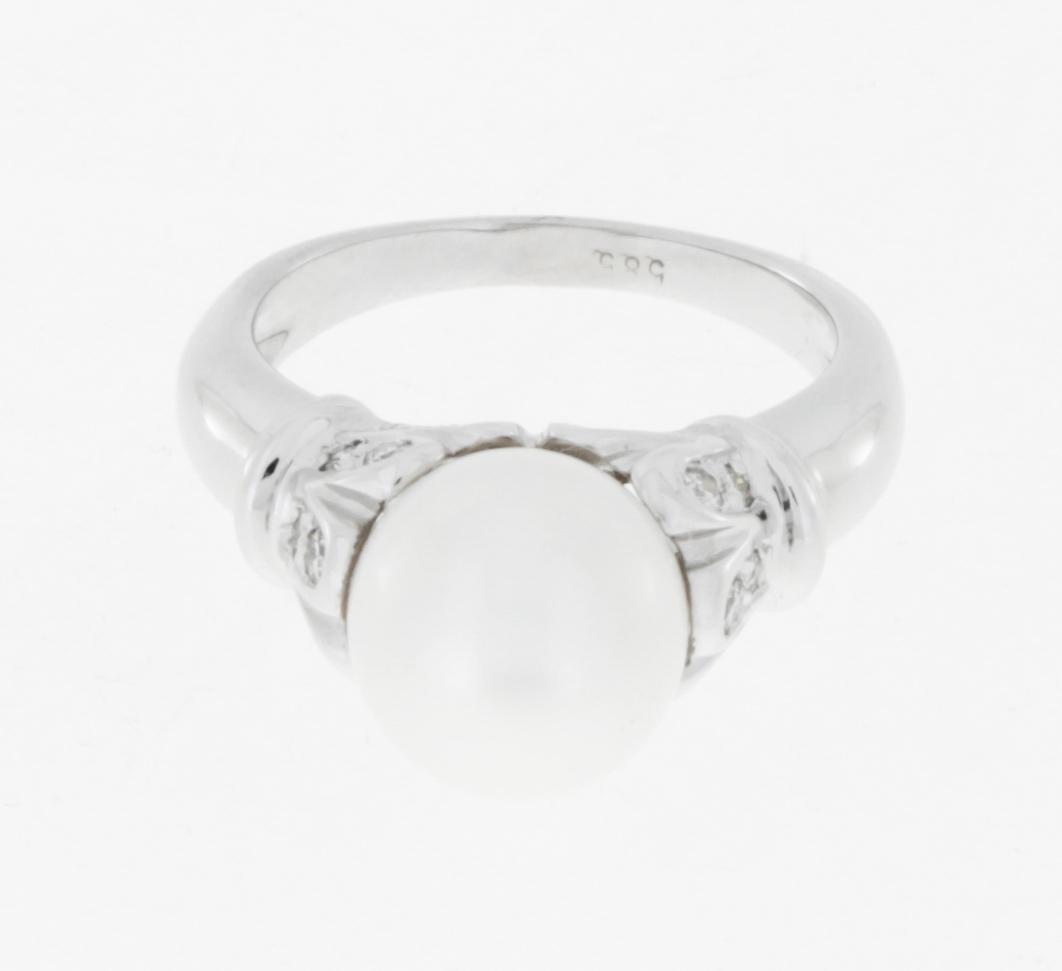 Ring 14 k Weißgold mit Süßwasserzuchtperle + Brillanten ca. 0,35 ct.