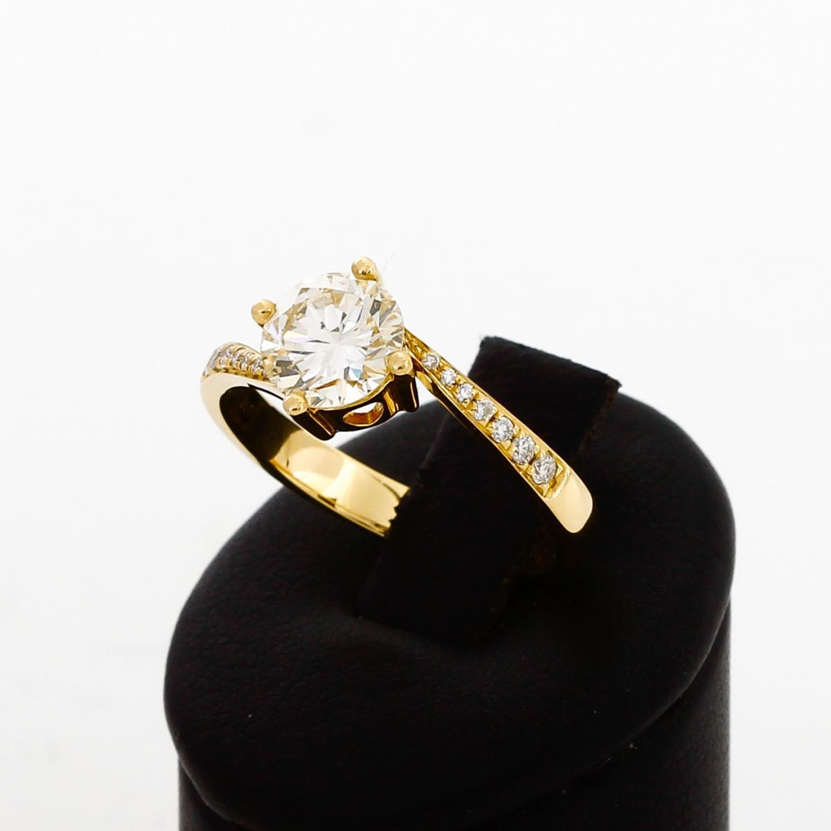 Ring 18 K Gelbgold mit Brillanten mit insgesamt 1,174 ct.