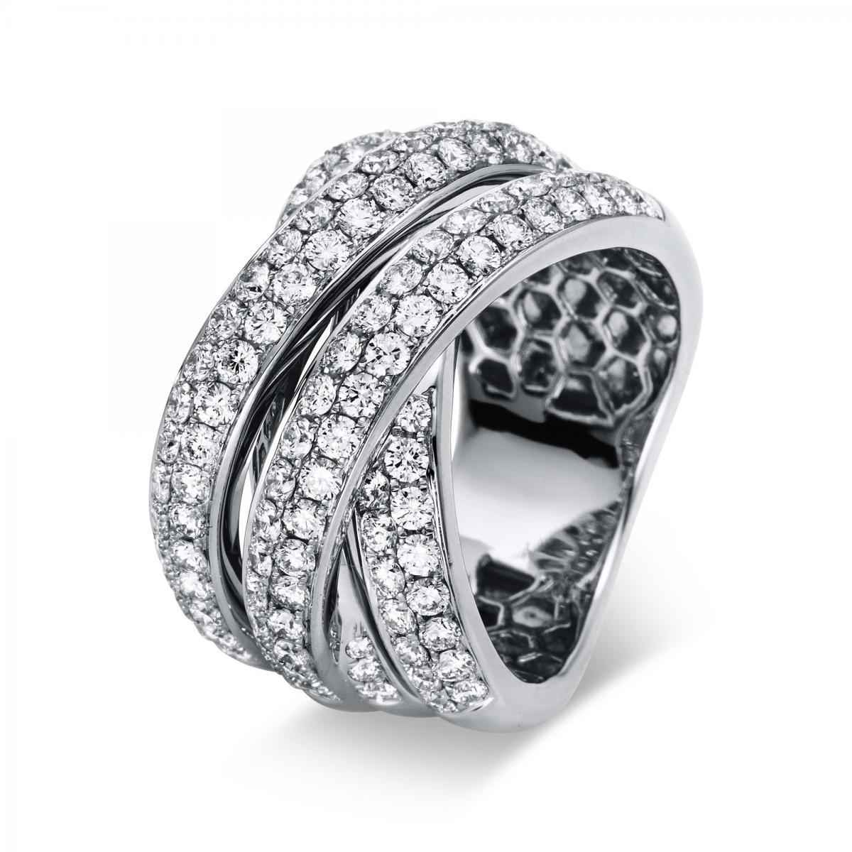 Ring 18 ct white gold with 120 brilliants ca. 2,44 ct, size 55