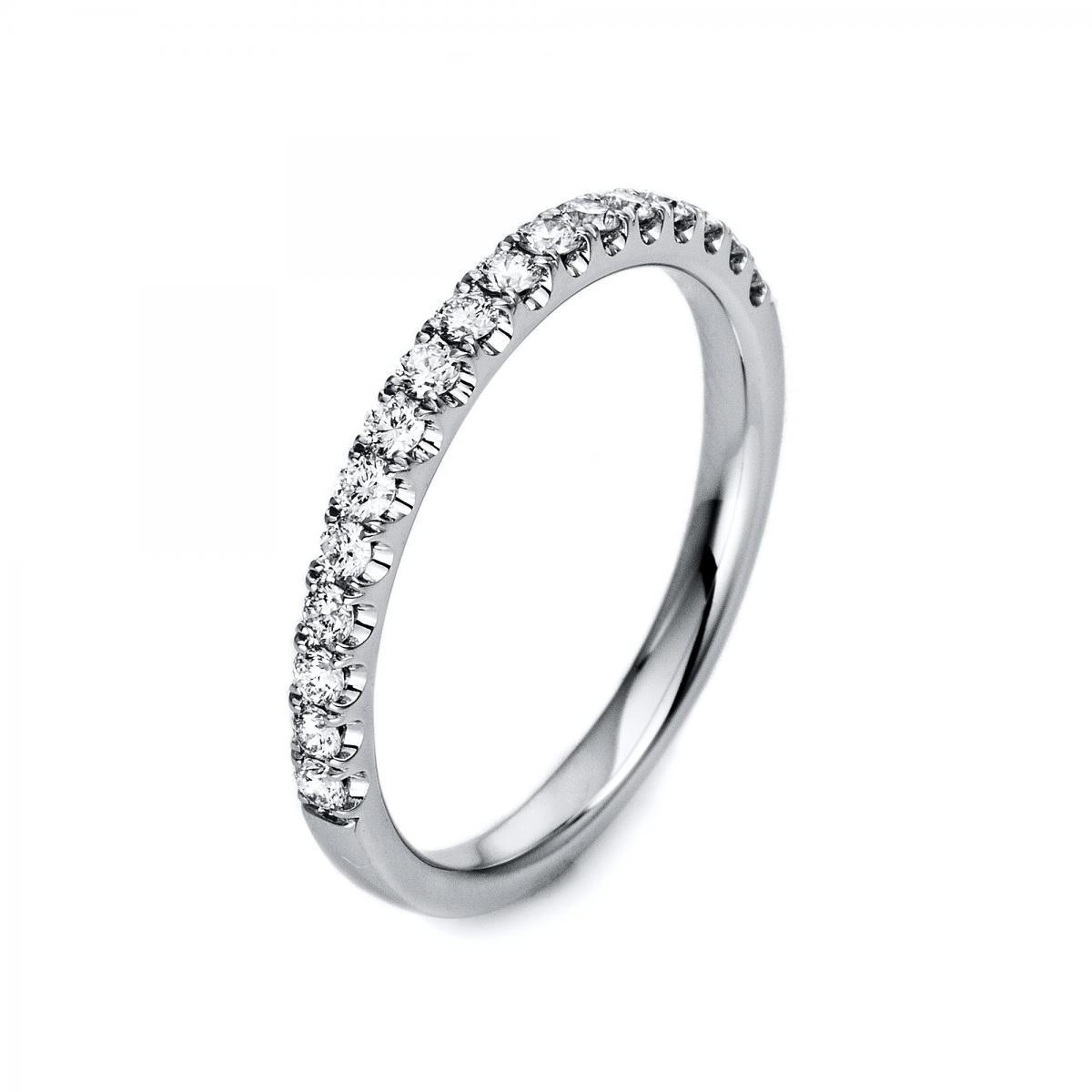 Ring 18 ct white gold with 17 brilliants ca. 0,32 ct, Gr. 53