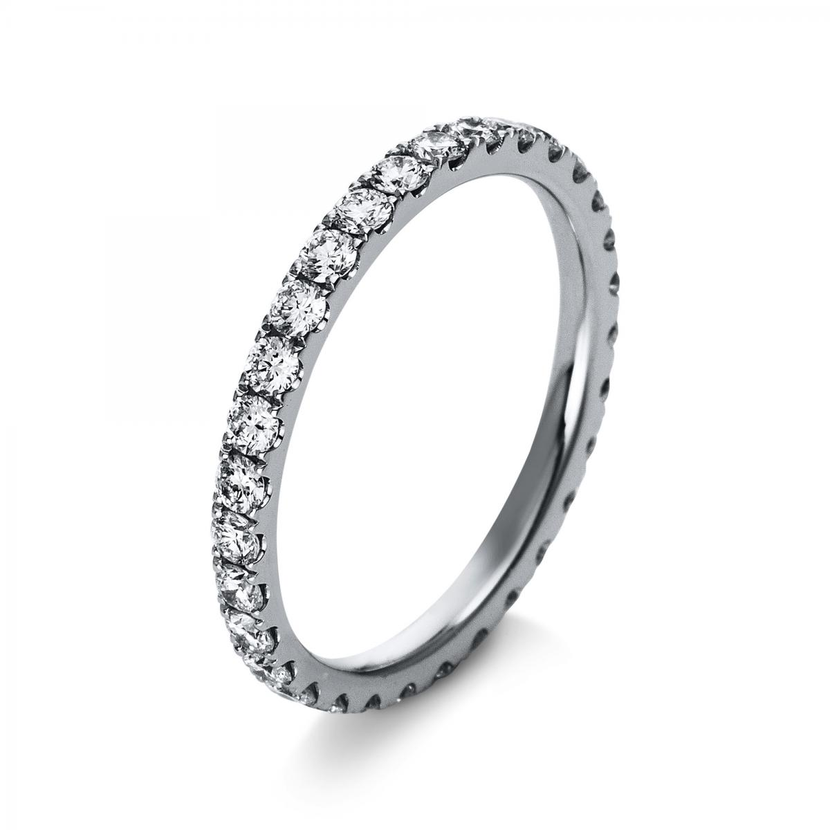 Ring 18 ct white gold with 31 brilliants ca. 0,91 ct, size 54